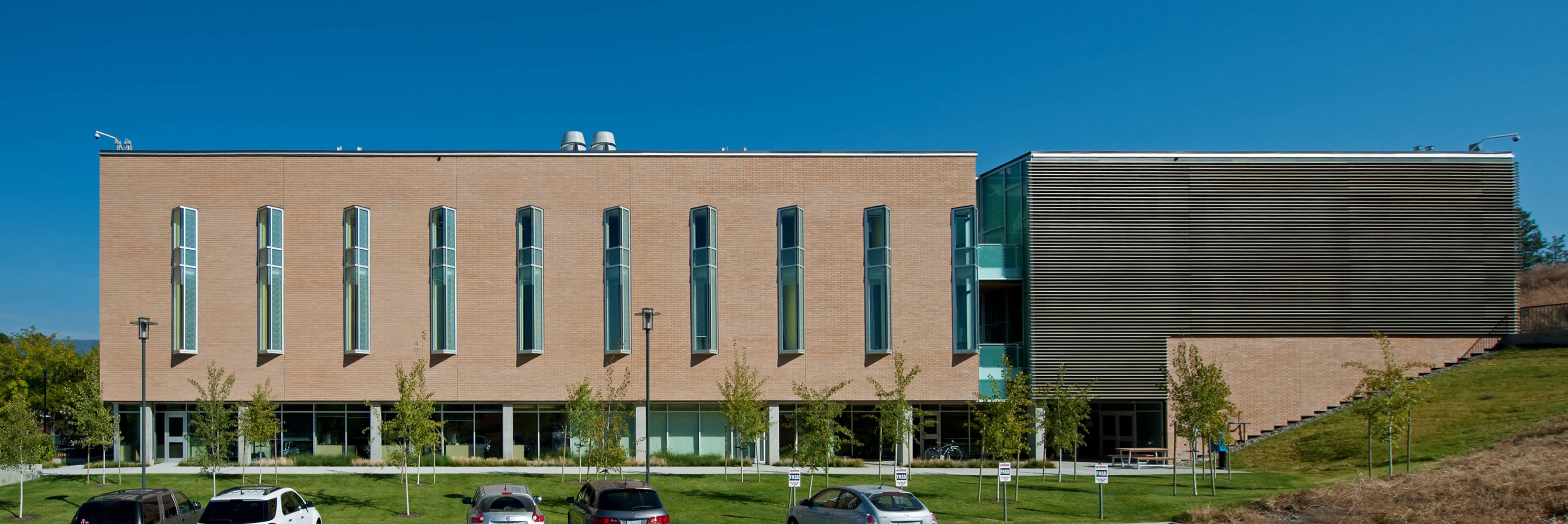 bbp ubco health sciences exterior day 2